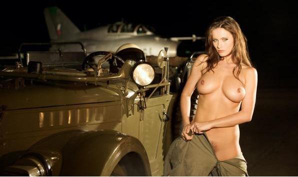 Девушки в военной форме. НЮ нет!